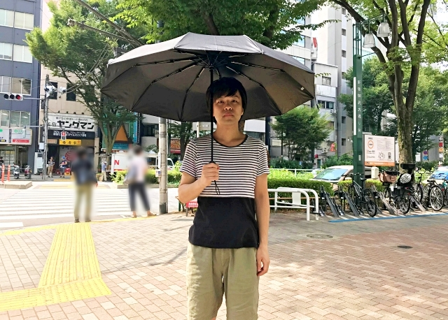 【検証】ぶっちゃけ日傘って涼しいの? 話題の「日傘男子」になって確かめてみたら、驚きの結果に!