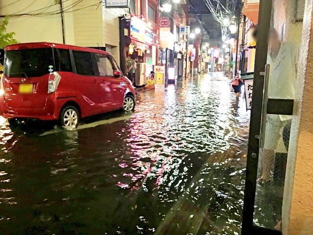 【衝撃】東京・阿佐ヶ谷、昨日のゲリラ豪雨でヤバイことになっていた
