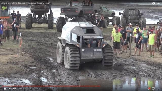この車、最強かよ…泥沼でもガンガン進むロシアの怪物車『Sherp』がハンパない