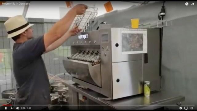 たった7秒で一気に6杯も注げる!! ドイツで目撃されたビールサーバー『ビアジェット』がマジ高性能!