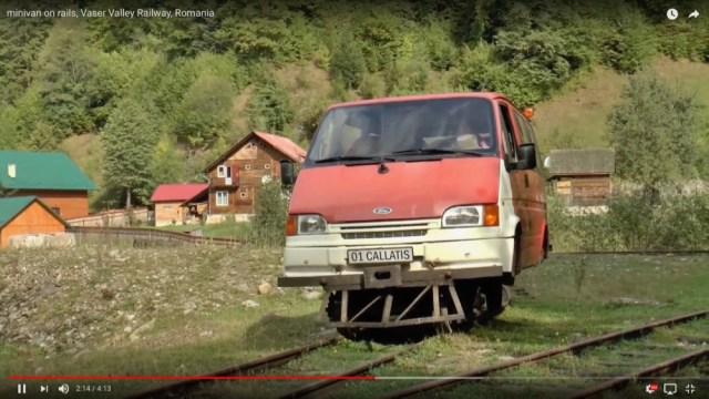 こんな改造車があったのか! ルーマニアの鉄道車両が完全に車