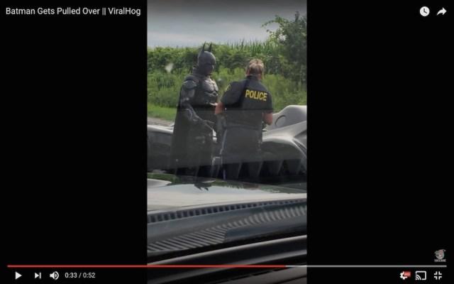 【悲報】バットマン、警察に捕まる