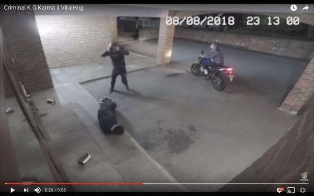 この強盗、いくらなんでもバカすぎるだろ…っていうのがたった58秒で分かる動画
