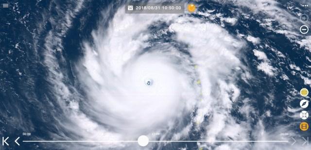 """【整形疑惑】台風21号を宇宙から見たらヤバすぎた / 地球全体図でも確認できるほどのパッチリした """"目"""" は宮古島くらいなら入りそうなレベル"""