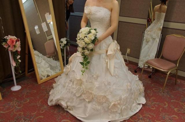 ある結婚式の「客が守らなければならない10のルール」が衝撃的だと話題に