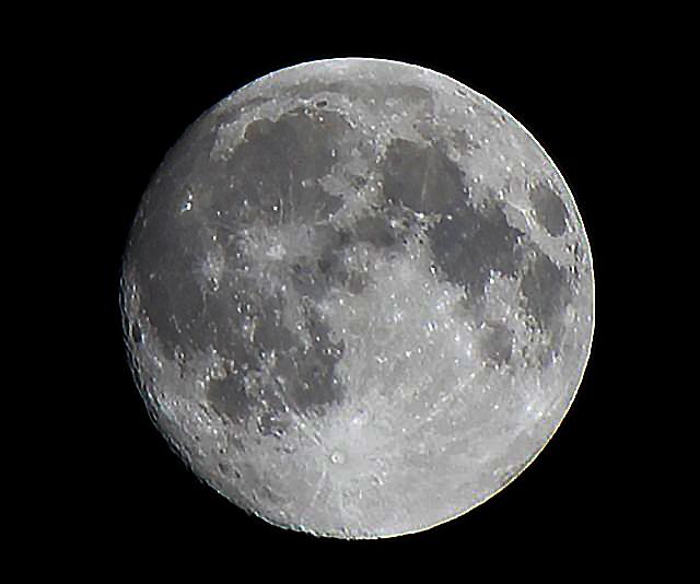 【属性過多】10月31日の満月は見るべき理由が沢山 / 今月2度目の満月「ブルームーン」で、今年最も小さい「マイクロムーン」で、さらに…