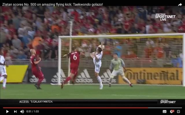 【サッカー】スゴすぎて笑うしかない…イブラヒモビッチが「今年NO1」とも言えるほど美しいスーパーゴール