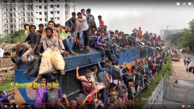 【超満員】祭日の「バングラデシュ鉄道」が混雑しまくりでヤバい
