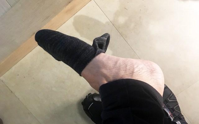 【激怒コラム】シレっと靴の中で丸まっちゃってる靴下は何様のつもりなのか