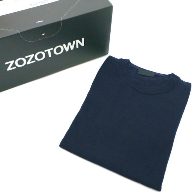 【検証】ZOZOSUITで採寸購入した「ZOZOのクルーネックニット」と「ユニクロのクルーネックニット」を着比べてみた結果…