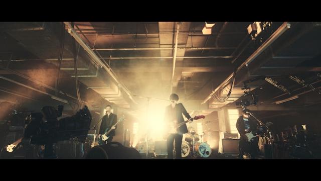 【衝撃】ロックバンド[Alexandros]の新曲MVにやたらカメラマンが映り込む → キムタクだった