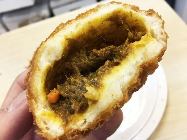 パンマニアが選んだ「2018年最高のカレーパン」がこれだ! コクのある濃厚なカレーが激ウマな『天馬』のカレーパンを全種類食べてみた!!