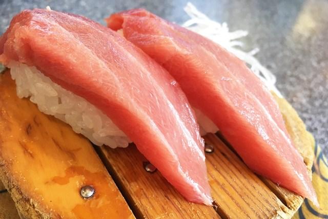 日本最強の回転寿司は山の中にあった!? 伊豆高原駅からバスを乗り継いで行く『魚磯』が通いたくなるほど超絶ウマイ!