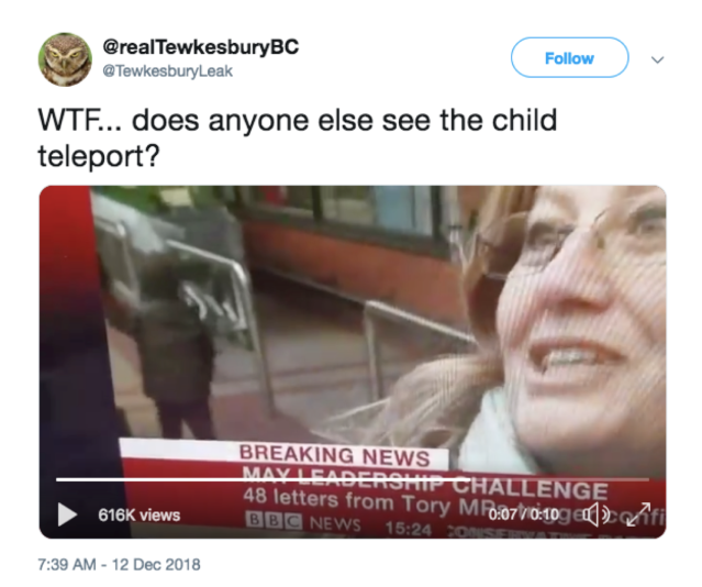 BBCのニュース映像に「瞬間移動する子供」がうつってる!? とネット民騒然