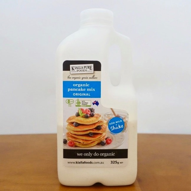 カルディで売ってるチョイ高い「有機パンケーキミックス」がマジ有能! 商品のボトルにミルクを入れてシェイク → フライパンに注ぐだけで完成!!