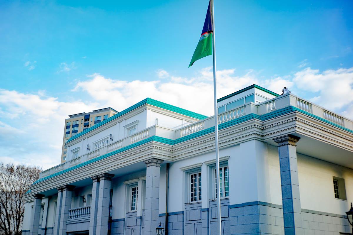 アフガニスタン大使館が予想以上に面白い! 期間限定で中に入れるぞ ...