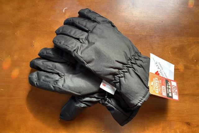 【100均検証】ダイソーの500円グローブ「3Mシンサレート手袋 2重構造」で真冬のバイク通勤をしてみた結果…