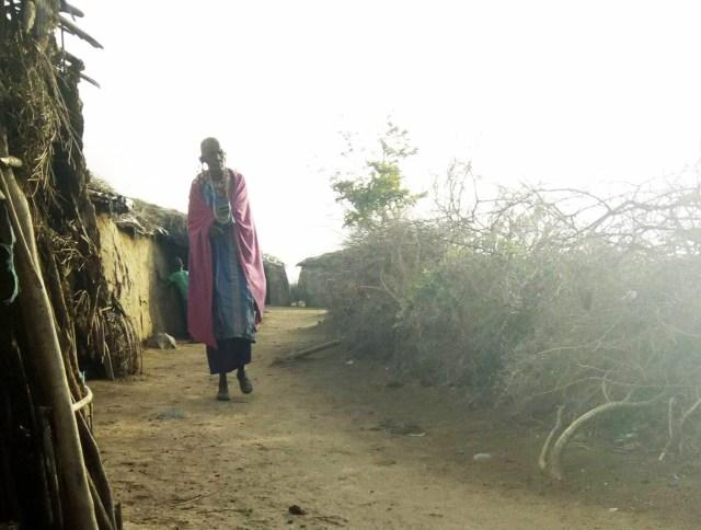 質問「もしも人間関係に疲れたら?」に対するマサイ族の戦士の答えが超絶シンプル / マサイ通信:第235回