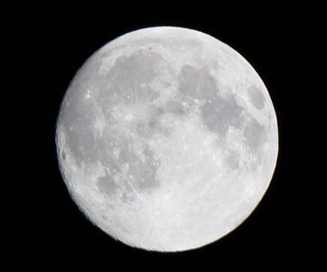 【スーパームーン】来週、月が地球にめっちゃ寄ってくる / 雲の動きが怪しいからフライング鑑賞もアリか