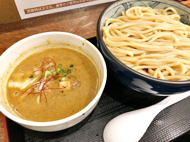 【つけ麺】行列ができる人気店で食べた「カレーつけそば」が絶品で震えた! 東京・和泉多摩川『自家製麺つけそば 九六』