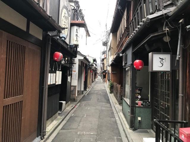 【京都、行こう】早朝の京都は人がいなくて町歩きに最適だけど1つだけ注意点が…