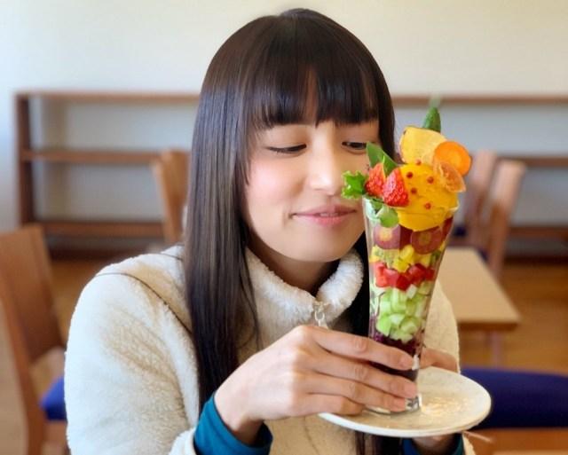 「あれ、パフェって何だっけ…」  野菜たっぷりな『サラダパフェ』を食べてパフェの概念が変わった件について / 奈良「カリオン」