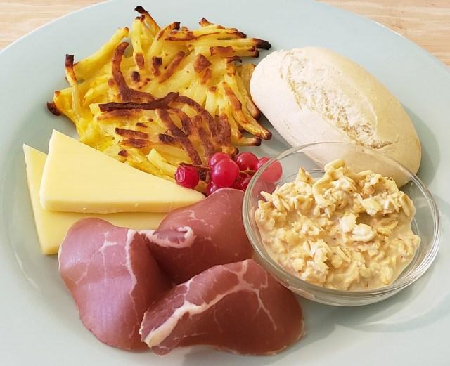 原宿で「スイスの朝ごはん」を食べたら素晴らしすぎて世界観が変わった / 口笛はなぜ遠くまで聞こえるのかもわかった