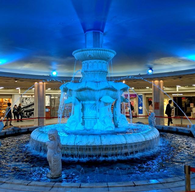 【5/6まで】通称「梅田ダンジョンのセーブポイント」泉の広場の噴水で、スマホに思い出写真をセーブしてきた
