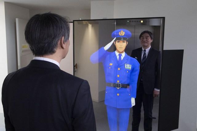 セコムが世界初の「バーチャル警備員」を開発 / 受付も人助けもできるエース級の有能さ