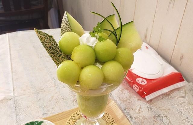 """圧倒的糖度を誇る「プレミアムメロンパフェ」は1日10食限定の """"今すぐに味わうべき楽園"""" / 東京・大塚の果実店「フルーツすぎ」"""