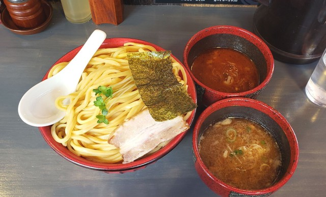 """【超特盛】麺500グラムまで増量無料なうえにスープをハーフ&ハーフにできる """"つけ麺天国"""" が存在した / 東京・秋葉原「つけ麺専門 百の輔」"""