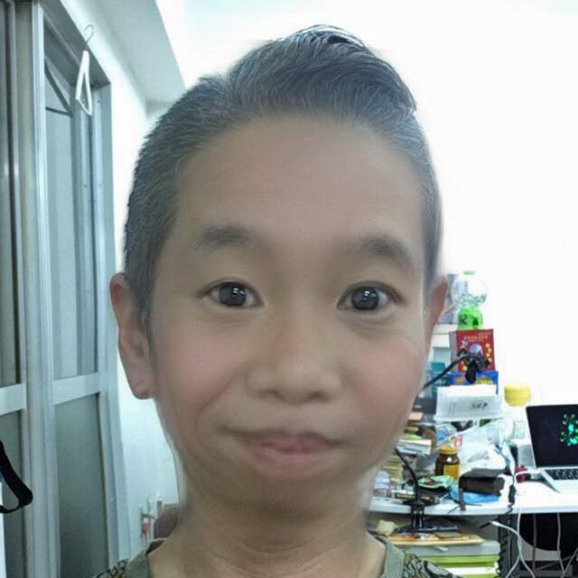 【魁!!アプリ塾】スナップチャットの子どもフィルターを使えば、小汚いオッサンも猛烈に可愛くなるぞ!
