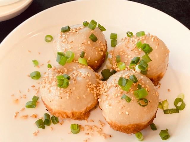 魅惑の食べ物「焼き小籠包」は一度食べたら後戻りできない! 新宿で唯一食べられる店で大満足ランチ / 東京・新宿「上海小籠包 厨房 阿杏 本店」