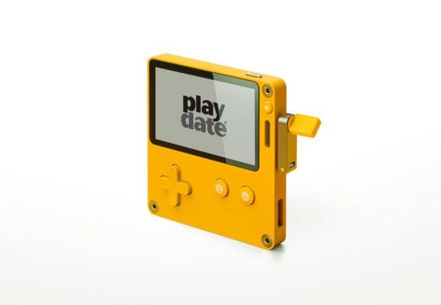 これ欲しい! グルグル回るコントローラー付携帯ゲーム機「Playdate」がメチャ楽しそう!!