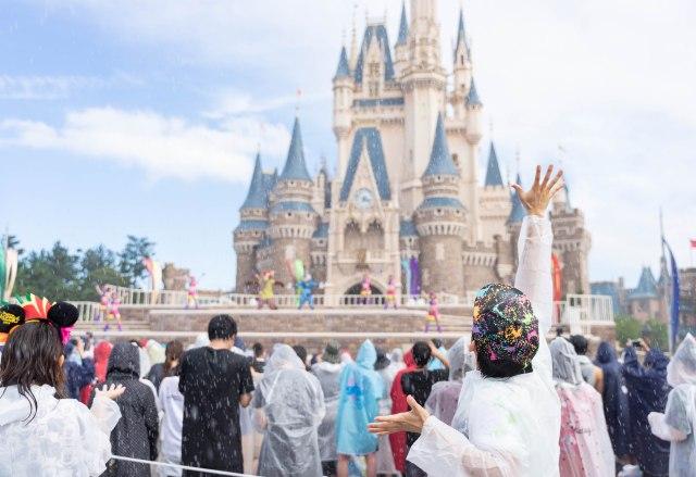 【ガチ】ディズニーマニアが選ぶディズニー夏イベントの注目ポイントTOP3「6年ぶりに復活した感動ショー」「ガン濡れ海賊ショー」など