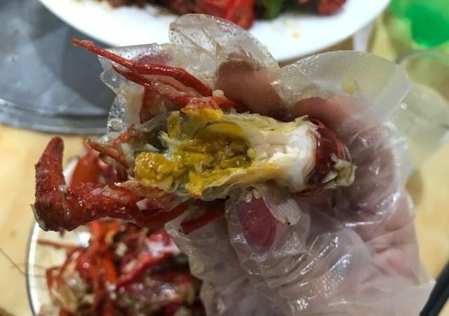 【今がシーズン】中国人がマジですすめるザリガニ屋へ行ってみたら伊勢エビと同じ味でビビった…これはもう田んぼに行くしかない / 中国・上海