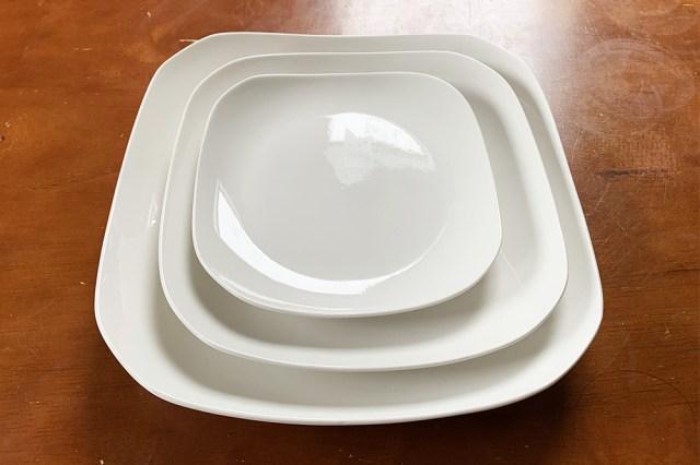 【100均検証】ナチュラルキッチン「オリジナル白食器(角皿)」の値段設定がスゴイ! しかもレンジ&オーブン&食洗機可!! これなら絶対「100円バレ」しない
