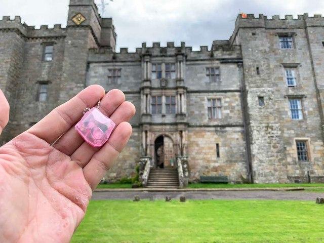 【検証】世界最恐心霊スポット「チリンガム城」に幽霊はいるのか? お化け探知機『ばけたん』でサーチしてみたら衝撃の結果に!
