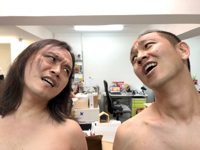 【吉本興業問題】「乳首相撲」で人は仲直りできるのか? 真剣に試してみた結果…