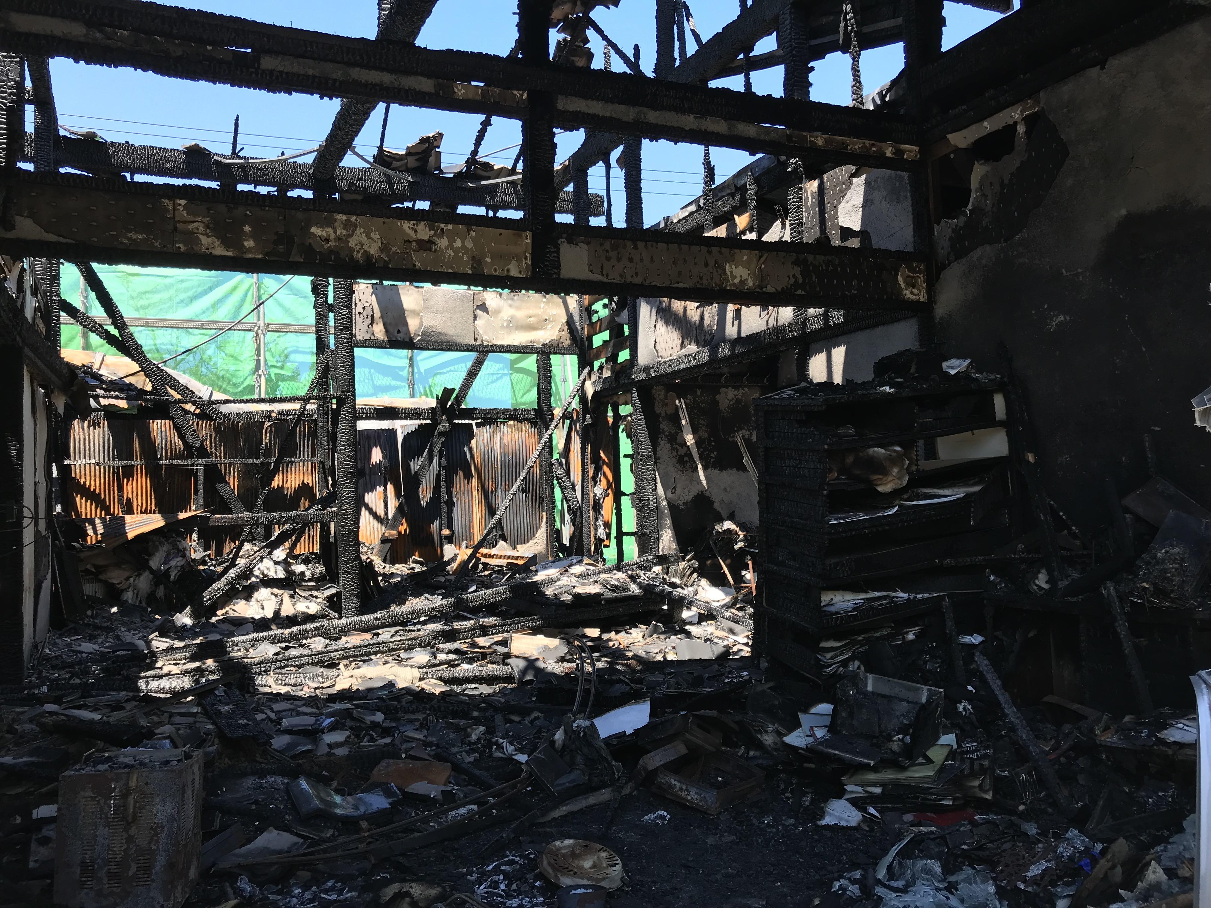 実話】祖母の家が火事で全焼してしまいました / 家族の意外な行動や ...