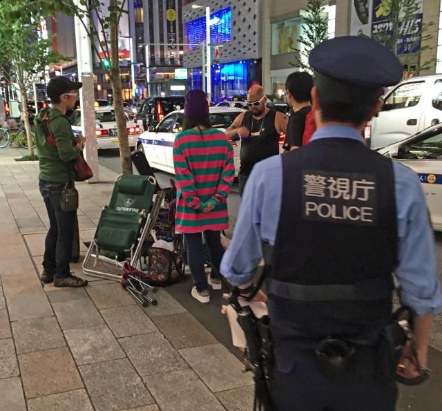 【超絶悲報】iPhone11行列、警察に撤収を命じられる……