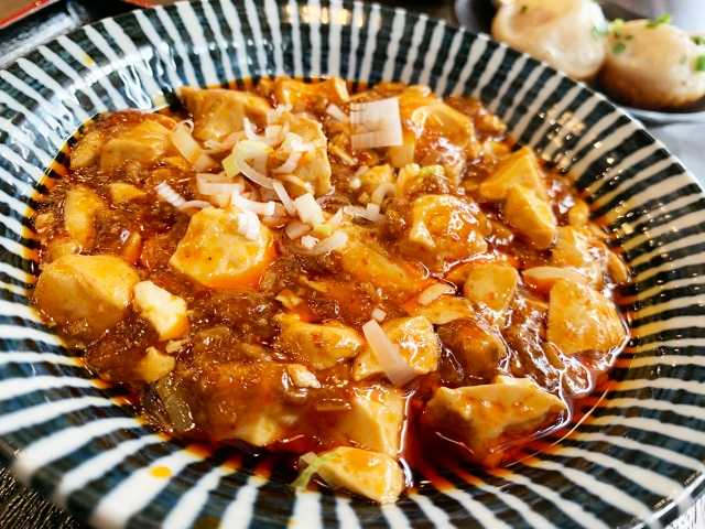 600円で麻婆豆腐とご飯食べ放題! おまけに激ウマ小籠包もついてくる秋葉原『ドラミ』のランチが有能すぎィィィイイイ!!