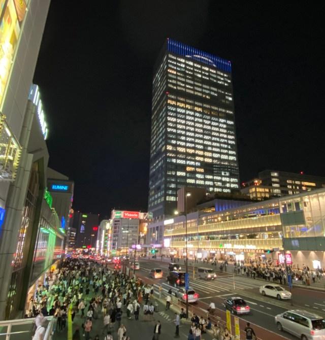 【超手軽】アクションカメラ「insta360 GO」のハイパーラプスモードで、新宿駅周辺を撮影したらイイ感じの映像が撮れた!