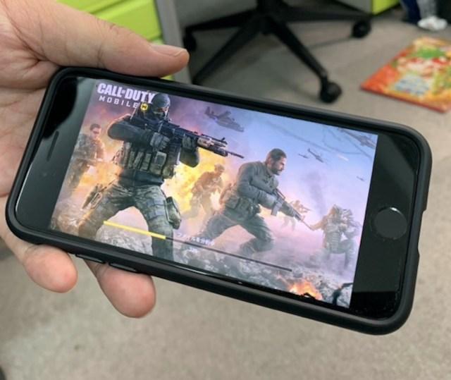 【ゲーム】FPS初心者の女子がスマホ版「Call of Duty (COD)」にハマってしまった理由(ワケ)