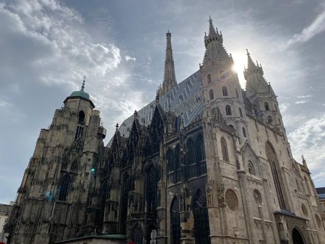 【オーストリア】ウィーン少年合唱団を見にウィーンの礼拝堂へ行ってみたら天使の歌声にガチ号泣…しかし少年団の姿は見えない…この意味分かる?
