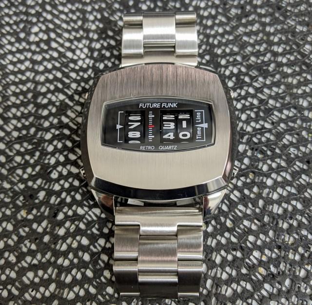 【レトロフューチャー】ローラーデジタル腕時計「FUTURE FUNK」に一目惚れしてしまいました……
