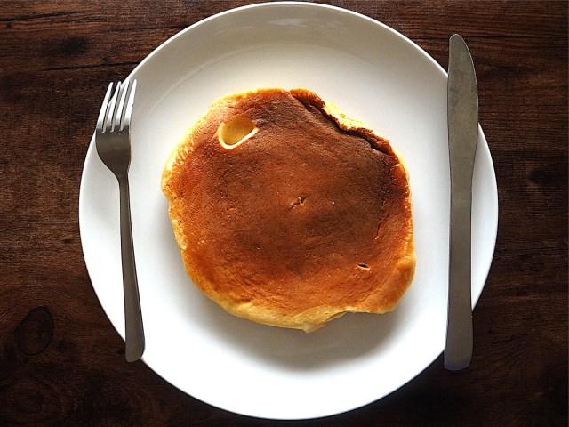 「パンケーキ」の燻製は美味しい! お家でもアウトドアでもオススメしたい燻製レシピ