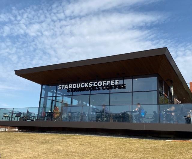 """【スタバ】""""世界一美しい"""" というあの店舗がリニューアル! 何が変わったのか実際に確かめてきた / 12月19日再オープンの『スターバックスコーヒー富山環水公園店』"""