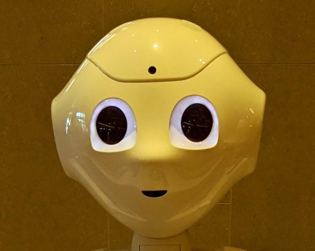 本日オープン! 新商業施設『渋谷フクラス』5階のペッパーパーラーでは、人型ロボットのペッパーが働いてるぞ~ッ!!