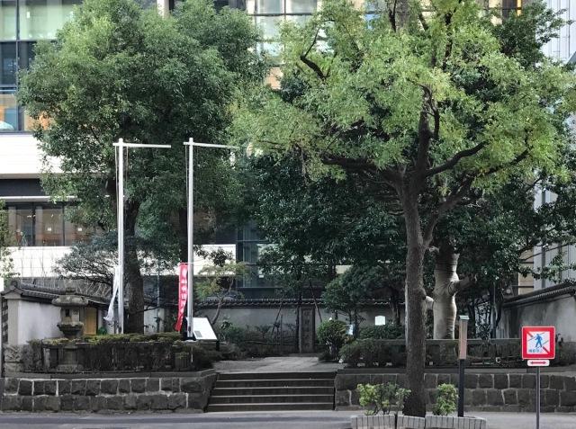 【怪談検証】都内最恐スポット「平将門の首塚」の歴史をたどっていくと○○に行き着く!
